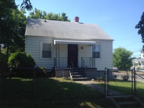 1601 Albany Avenue Photo 1