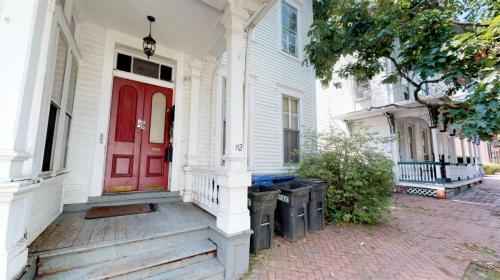 112 Garden Street #1 Photo 1