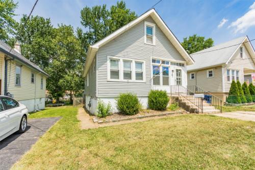 106 W Crestwood Ave Photo 1