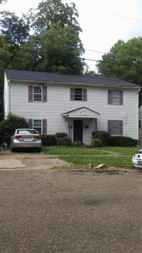 744 Oakwood Street #C Photo 1