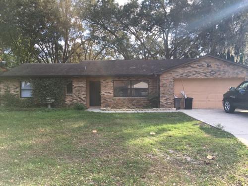 4485 White Oak Circle Photo 1