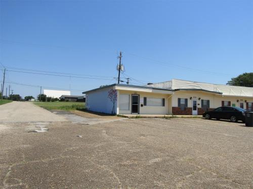 501 Plaza Drive Photo 1