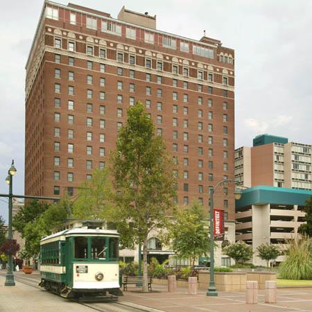 109 N Main St 711 Photo 1