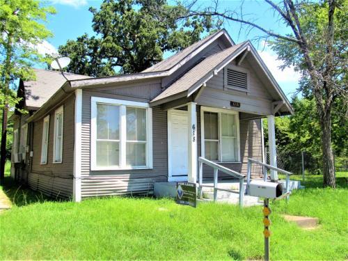 618 W Frank Avenue Photo 1