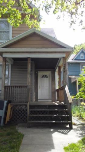 294 Carter Street Photo 1