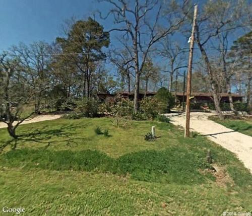 143 N Oak Lee Drive Photo 1
