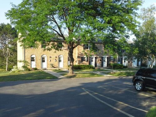 550 W North Street - 550-j Photo 1