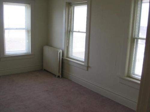 503 N 5th Street Room 302 Photo 1