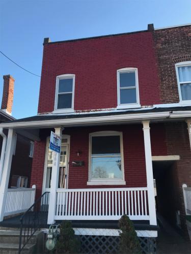 1264 W King Street Photo 1