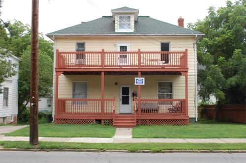 149 E State Street Photo 1