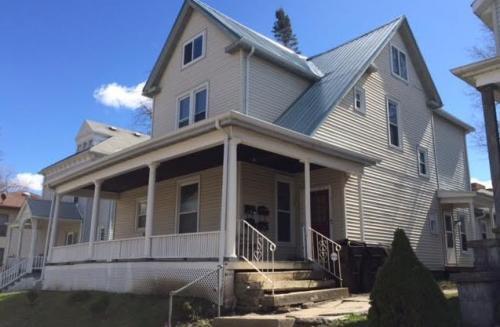 405 E Monroe Street #2 Photo 1