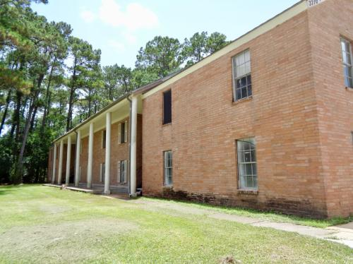 3700 Pine Manor Lane Photo 1