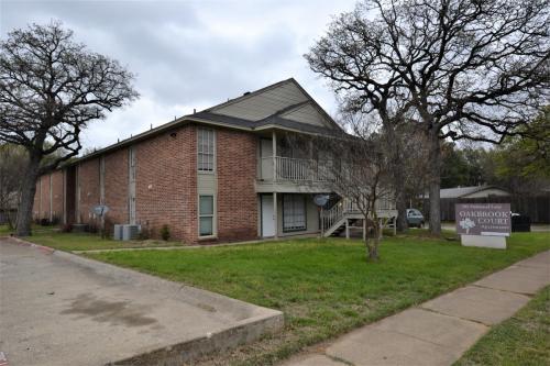701 Oakwood Lane #5 Photo 1