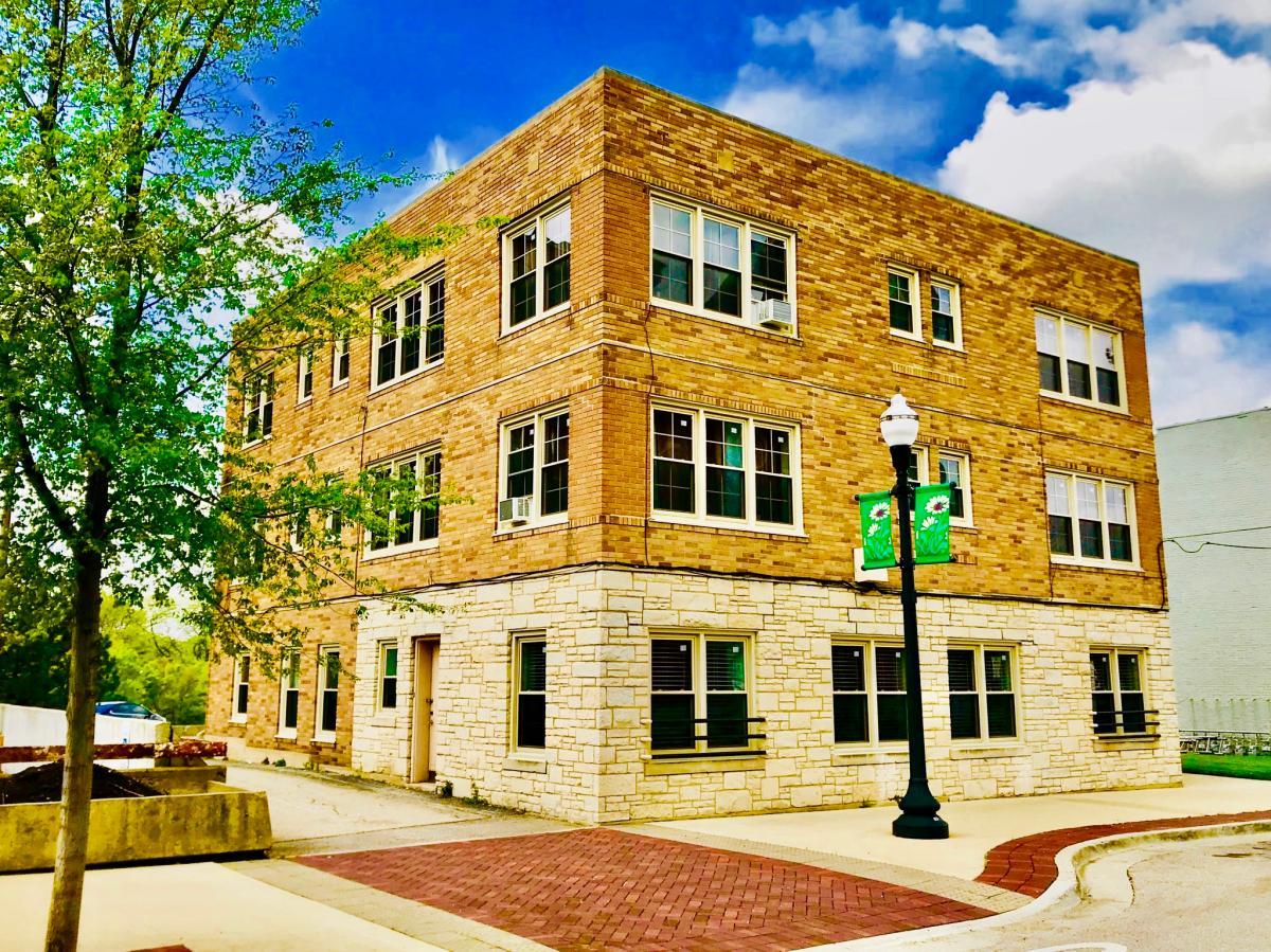 Primary Photo 114 N Spring Street 4