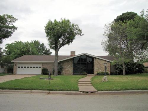 5805 Maryview Terrace Photo 1