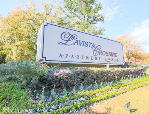 Lavista Crossing Apartments Photo 1