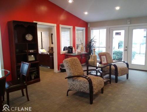 The Broadmoor Apartments Photo 1