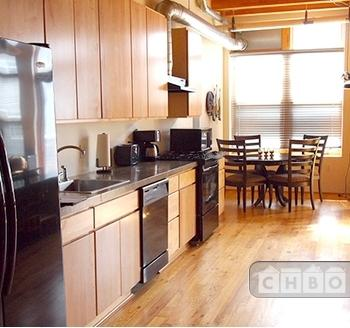 Spacious, Stylish Furnished Loft, 1047SF 3J Photo 1