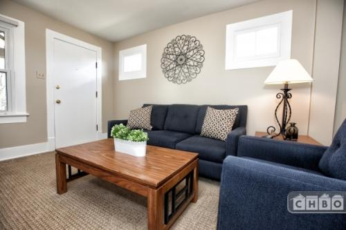 Furnished home w/ yard in Denver Photo 1
