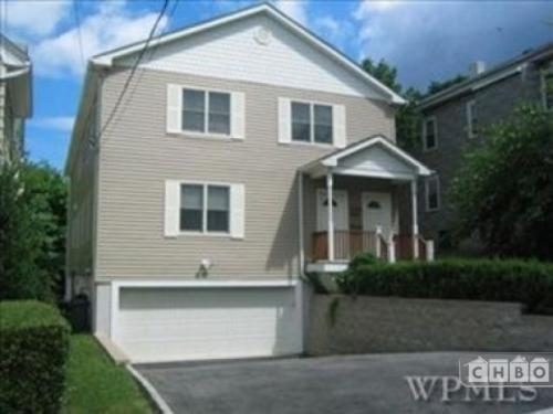 Large 3 Bedroom Apartment Photo 1