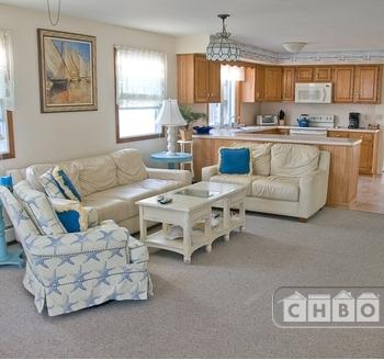 Executive 2 Bedroom Fully Furnished Home Photo 1