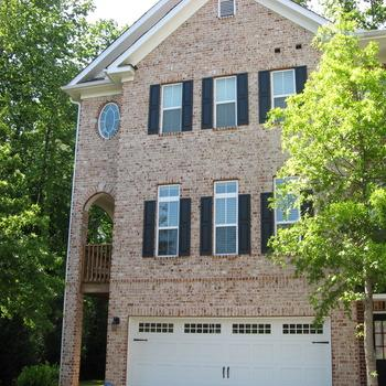 Executive Furnished 2 bedroom Townhome in Buckh... Photo 1