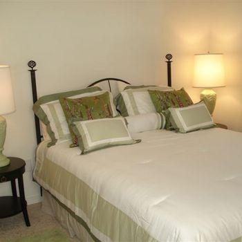 Red Dirt Guest Room Furnished Aztec 2395 Photo 1