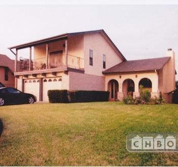 4 BR Executive Home panoramic views Photo 1