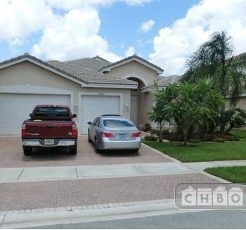 Beautiful Home in Exclusive Community Photo 1