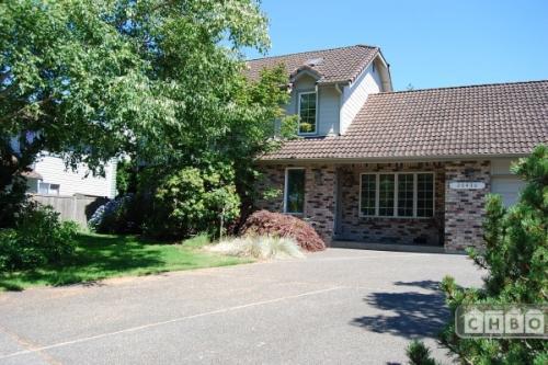 Kent (South Seattle) Executive Home Photo 1