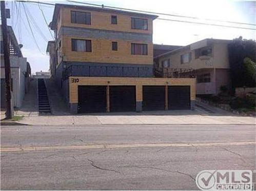 310 E Hyde Park Blvd 3 Photo 1