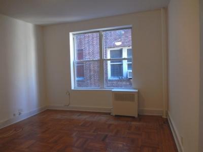 W 189th Street Photo 1
