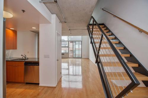 77 Dow Place Photo 1
