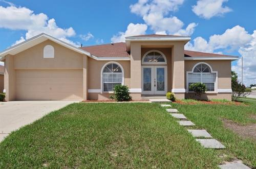 4524 Great Blue Heron Dr Photo 1
