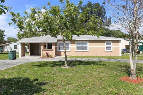 399 Florida Ave Photo 1