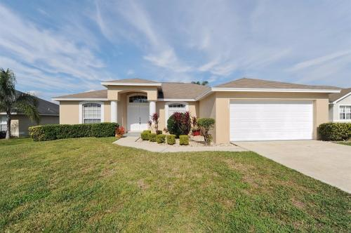 7785 Canterbury Cir Photo 1