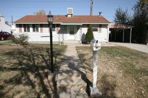 7540 Greenwood Blvd Photo 1