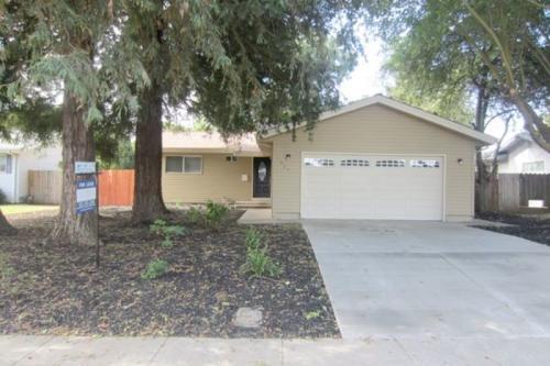 625 Sierra Drive Photo 1