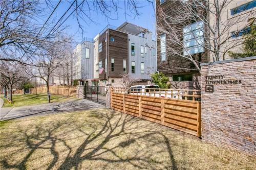 425 Trinity River Circle Photo 1