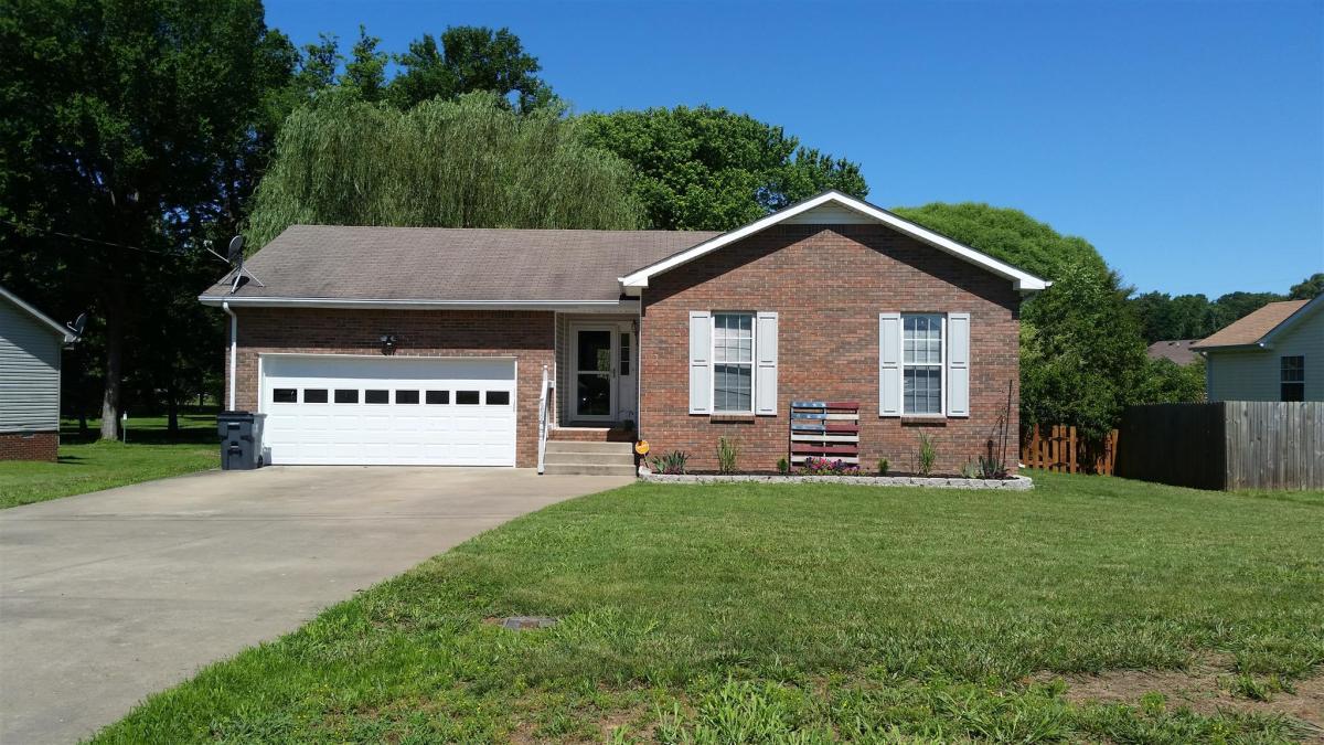 Magnificent 259 Short Street Clarksville Tn 37042 Hotpads Home Interior And Landscaping Mentranervesignezvosmurscom