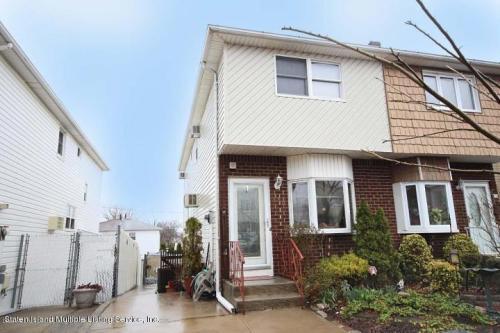 380 Brookfield Ave Photo 1
