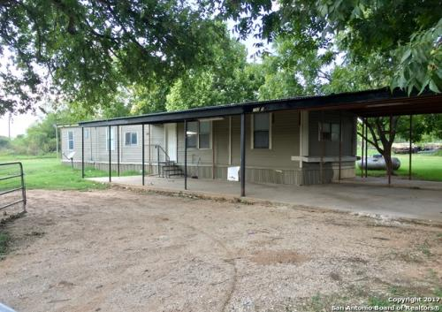 15065 Old Frio City Rd Photo 1