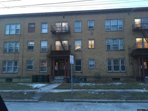 1011 Union St Photo 1