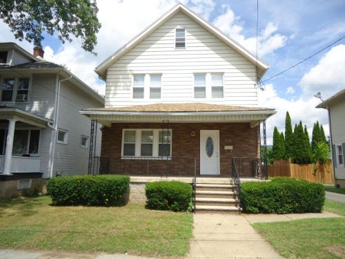 2307 Brown Avenue Photo 1