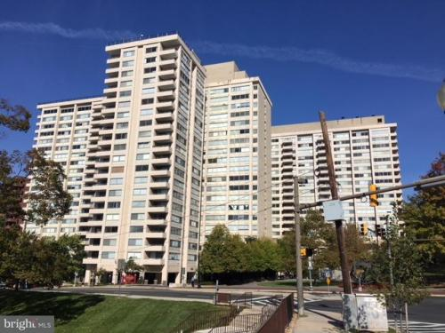 4515 Willard Avenue Photo 1