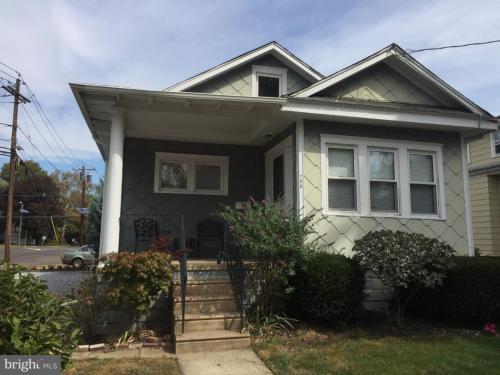 703 Willitts Avenue Photo 1