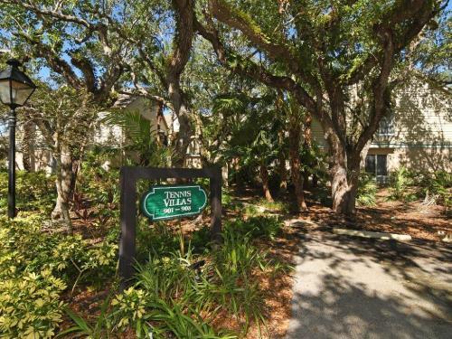 1315 Winding Oaks Circle Photo 1