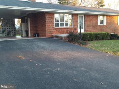 5096 Laura Drive Photo 1