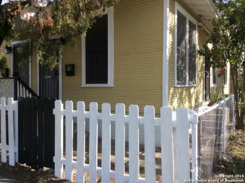 1722 N Pine Street #1 Photo 1