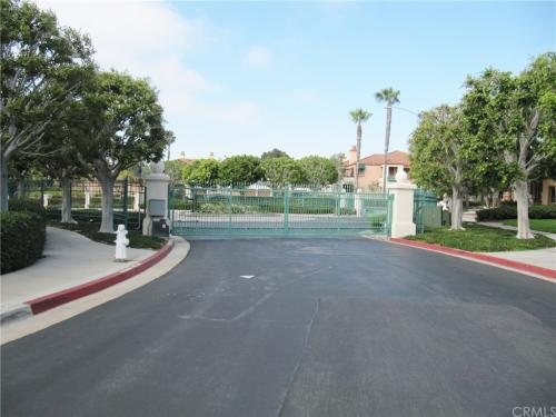 12 Villa Point Drive Photo 1